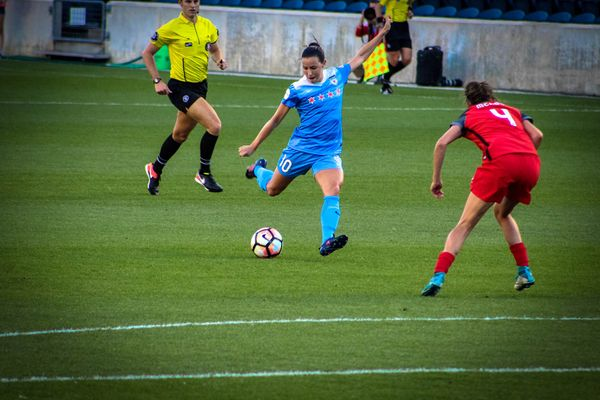 Why Female Soccer Players Suffer More ACL Injuries